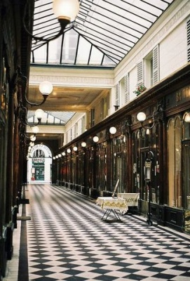 Inside Paris Tours - Passage couvert - Shopping Places in the Past and Present - The parisian trade from Balzac to Zola