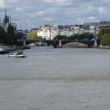 Inside Paris Tours - Quais de Seine - Following the Seine - Gardens on the rivers banks